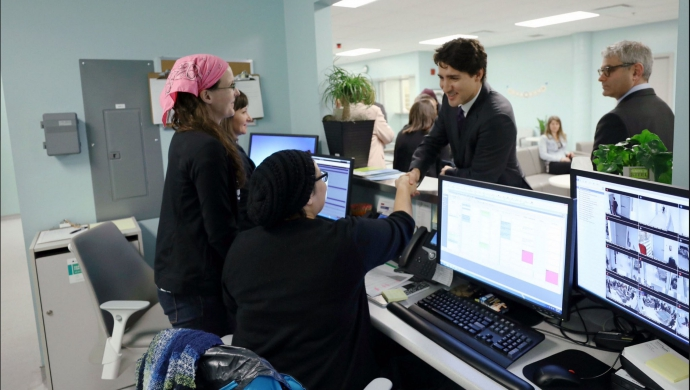 Prime Minister Visits 625 Powell St. Treatment Centre in March 2017 (Courtesy Twitter)